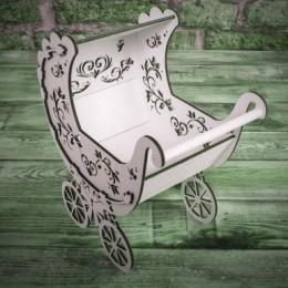 Деревянная коляска с листиками