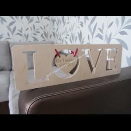 Надпись из дерева Love